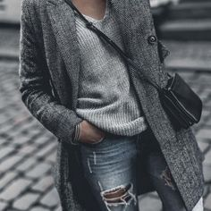 Monja W + grey overcoat + gorgeous knitted V neck + heavily ripped denim jeans + glittery choker + leather handbag. Spring Looks. Looks Chic, Looks Style, Style Me, Mode Outfits, Casual Outfits, Fashion Outfits, Jeans Fashion, Casual Shoes, Look Fashion