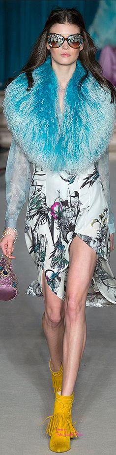 Matthew Williamson Fall/Winter 2015 Collection Fashion Week: La Mode by GV Miao's Top 5 Favorite Looks Fur Fashion, Runway Fashion, High Fashion, Fashion Show, Womens Fashion, Fashion Design, Fashion 2015, Color Fashion, Floral Fashion