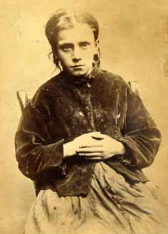 Jane Farrell From an amazing series of photographs of convicted criminals in Newcastle between 1871 - Jane Farrell stole 2 boots and was sentenced to do 10 hard days labour. She was (Copyright) We're happy for you to share this digital image w Vintage Pictures, Old Pictures, Old Photos, Vintage Images, Oliver Twist, John Taylor, Criminal Shows, Portsmouth, Portraits Victoriens