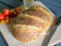 Bake delicious olive bread with oregano yourself. Cooking Bread, Bread Baking, Olive Bread, Bakers Gonna Bake, Dutch Oven Recipes, Good Food, Yummy Food, Bread Bun, Big Meals