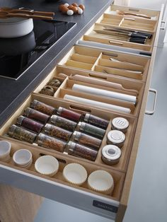 35 Smart Kitchen Organization Ideas On A Budget Smart Kitchen, New Kitchen, Kitchen Dining, Kitchen Wood, Kitchen Small, Kitchen Modern, Kitchen Utensils, Scandinavian Kitchen, Loft Kitchen