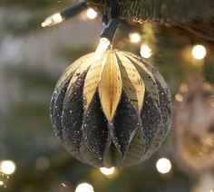 weihnachtsbaumschmuck papier basteln glitzer kugel