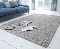 Loaf's chunky knit Yarn rug is handmade in Varansai, India.