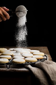Lemon cookies by Raquel Carmona Dark Food Photography, Cake Photography, Photography Photos, Photo Food, Types Of Desserts, Lemon Cookies, Cookies And Cream, Food Design, Food Styling