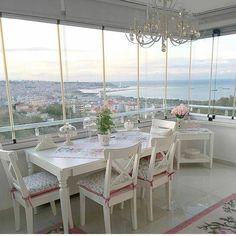 Beğenen herkesin böyle sahane manzaralı balkonu olsun insaallah @oflu_nazo @duzenlii_evim #manzara #sahane #balkon #dekorasyon #ev #hayatburda #dekor