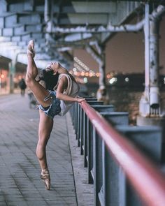 New Ideas Photography Dance Street Ballet Dancers Dance Picture Poses, Dance Photo Shoot, Dance Poses, Dance Pictures, Art Ballet, Ballet Dancers, Bolshoi Ballet, Yoga And More, Body Women
