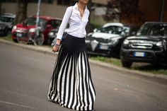 Street style blanco y negro Carolina Herrera, Vogue, Casual Looks, Black And White, My Style, Skirts, How To Wear, Pants, Fashion Trends