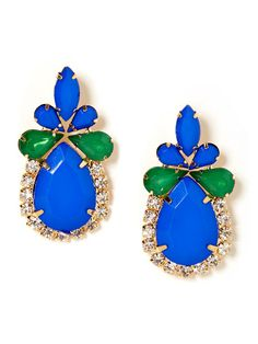 Bright, bold and with a tough of vintage-inspired style, these statement studs pack a pretty punch, flaunting gorgeous sapphire hued pear shaped stones and pops of Kelly green crystals.