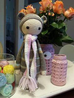 BINA the bear made by Suzanne de V. / crochet pattern by lalylala