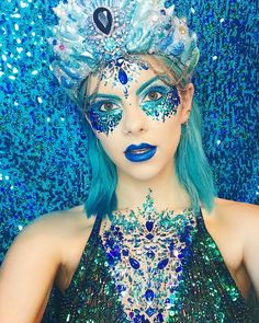 Glitter Boobs Are Here To Outshine Your Puny Glitter Buns – Design You Trust Men Halloween, Halloween Face Makeup, Halloween Costumes, Halloween Inspo, Glitter Face, Mermaid Glitter, Glitter Makeup, Dress Makeup, Costume Makeup