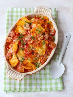 Ravioli (oven)schotel met mascarpone (of cream cheese). Veggie Recipes, Pasta Recipes, Vegetarian Recipes, Healthy Recipes, Ravioli, Tortellini, Easy Diner, Risotto, Oven Dishes