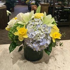 Spring and lovely arrangement Rosie made for delivery. Just looking at this arrangement is relaxing to me... #floral #flower #florist #flowers #flowergram #mmflowers #mondaymorningflowers #daffodils #smile #spring #colorful #Princeton #princetagram