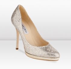 Loving the pumps ....What a great way to add a bit of sparkle. This style is as refreshing as bubbles in champagne.