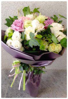 Beautiful Flower Arrangements, Romantic Flowers, Floral Arrangements, Beautiful Flowers, Wedding Flowers, Bouquet Wrap, Hand Bouquet, Flower Bouqet, Floral Bouquets