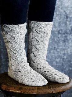 Pitsineulesukat ja -lapaset Novita Nalle   Novita knits