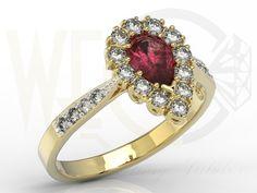 Pierścionek z żółtego złota z rubinem i diamentami / Ring made from yellow gold with a diamonds and ruby / 5470 PLN #jewellery #jewelry #gold #ring #ruby #diamonds #bizuteria #zloto #rubin #diamenty #engagement_ring