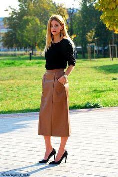 Look! Кожаные юбки длины миди в образах! 6