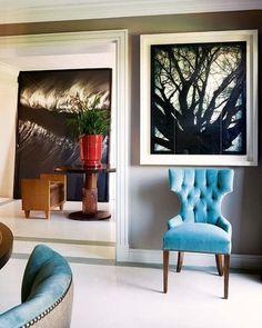El cruce de diseños contemporáneos y materiales tradicionales, así como un rico catálogo de texturas bajo una serena composición cromática, delatan la firma de Thomas Urquijo, autor de la reforma y...