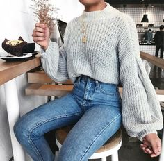 How To Wear Boyfriend Jeans 12 Styling Ideas Ecemella Sweater weather inspo fall outfit look with Grey knitted sweater and denim jeans Mode Outfits, Jean Outfits, Trendy Outfits, Fashion Outfits, Womens Fashion, Fashion Trends, Outfits With Jeans, Mom Jeans Outfit, Black Jeans Outfit Fall