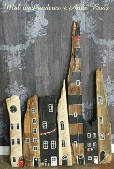 Holz – Painted Stones & Old Wood – bemalte… Painted Driftwood, Driftwood Beach, Driftwood Crafts, Painted Wood, Stone Painting, Painting On Wood, Fall Crafts, Diy And Crafts, Spring Decoration