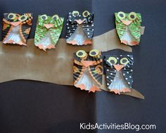 Make owls out of cupcake liners!  Cute craft from Kids Activities Blog!