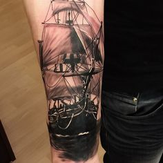 #tallship #pirate #ship#vikink #fredericia #vikinktattoo #denmark #shiptattoo#tattooart #skinartmag #inklife #realistictattoo #blackandgrey #stencilstuff