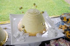 Brittany Lauren's Baby Bee Shower - Beehive cake