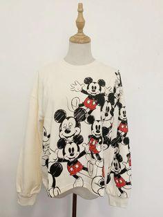Minnie, Mickey Mouse, Graphic Sweatshirt, Sweatshirts, Sweaters, Fashion, Disney Sweatshirts, Donald Duck, Wonderland
