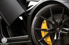 lamborghini-aventador-lambo-black-batman-car-cars-supercars-watchanish-breaks-wheels-rims-whip