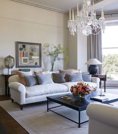Stay at the luxurious Heckfield Place in Hook, United Kingdom, and work with a Virtuoso travel Advisor to receive your free upgrades and amenities. Beautiful Interiors, Colorful Interiors, New Interior Design, Interior Colors, Victorian Bedroom, Country House Hotels, Bar Lounge, Apartment Living, Interior Inspiration