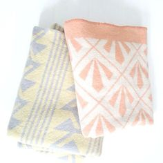 Vintage blanket grey/yellow - a new life