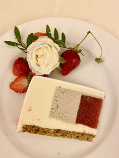 Cheesecake, Desserts, Food, Pistachios, Strawberries, Homemade, Pies, Meal, Cheesecakes