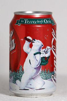 Coca Cola Polar Bear | 1999 Coca-Cola Italy Christmas Polar Bears 2 | Flickr - Photo Sharing! Coca Cola Life, Coca Cola Poster, Coca Cola Santa, Coca Cola Christmas, Coca Cola Polar Bear, World Of Coca Cola, Coca Cola Bottles, Pepsi Cola, Coke Cans