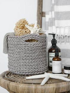 DIY - My best home decor list Diy Jewelry To Sell, Diy Jewelry Holder, Diy Jewelry Making, Crochet Home Decor, Diy Crochet, Crochet Motifs, Crochet Pattern, Bandeau Torsadé, Motif Zigzag