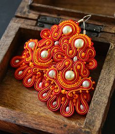 Indian style red orange soutache earrings by pUkke on Etsy, Soutache Necklace, Etsy Earrings, Beaded Embroidery, Custom Jewelry, Indian Fashion, Jewelry Crafts, Beaded Jewelry, Indian Style, Jewelry Making