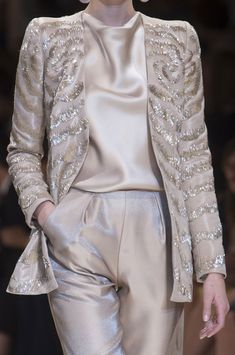 CLOSE UP: GIORGIO ARMANI PRIVE AUTUMN/WINTER 2013-14 COUTURE