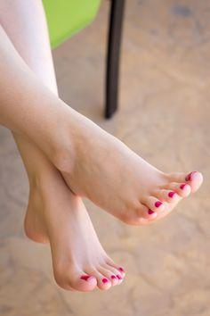Beauty feet gorgeous feet, female feet y foot toe. Sexy Legs And Heels, Hot High Heels, Cute Toes, Pretty Toes, Feet Soles, Women's Feet, Pies Sexy, Beauté Blonde, Foot Love