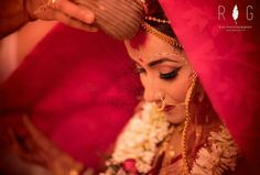 India's Top Photographers Capture The Most Intimate And Meaningful Rituals In Indian Weddings Wedding Bells, Wedding Events, Bengali Bride, Top Photographers, Indian Wedding Photography, Professional Photographer, Bridal Jewelry, Wedding Photos, Marriage