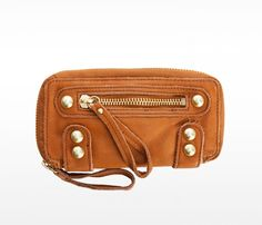 Soft leather wallet in the perfect shade of brown {cognac}