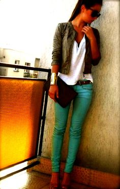 love this look...can go with any colored pants!
