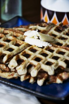 The Perfect Pear: Banana Egg Waffles (only 2 ingredients!)