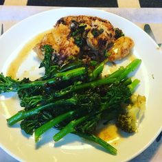 Cycle three recipe for dinner: spice crusted chicken with broccoli chilli garlic and onion. Nice little chicken stock sauce - lovely  #90daysssplan #thebodycoach #leanin15 #dinner #cyclethree #saturday #lowcarb #spice #chicken #morrocan #broccoli #tenderstem #chilli #garlic #onions #chickenstock #lucybeecoconut #lucybeecoconutoil #cleanandlean #cleanandleanwarrior #healthiswealth #healthy #active #fitfam #fitforlife #fitlondoners #finalcycle #c3d6 by thetravellingrep