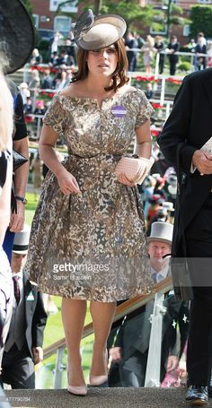 (L-R) Princess Eugenie of York attends day 4 of Royal Ascot at Ascot Racecourse on June 19, 2015 in Ascot, England.  (Photo by Samir Hussein/WireImage)