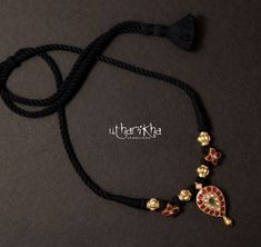 Gold Ring Designs, Gold Bangles Design, Gold Jewellery Design, Black Necklace, Short Necklace, Simple Necklace, Black Diamond Chain, Gold Jewelry Simple, Black Thread
