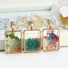 This #rectangle-shaped transparent crystal #necklace is very beautiful. With it you will be very sweet and elegant, you girls, you deserve it.