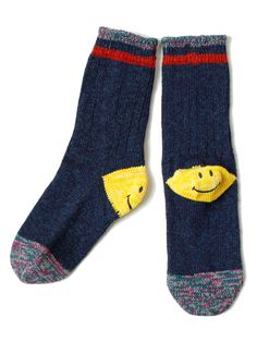 Kapital - Smiley Socks Smart Women Never Go for Boring Socks, Do You? They say that socks outline on Funky Socks, Crazy Socks, Cute Socks, My Socks, Happy Socks, Knitting Socks, Sock Shoes, Look Cool, What To Wear