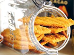 Leilas jättegoda kolasnittar Candy Recipes, Cookie Recipes, Snack Recipes, Dessert Recipes, Whipped Shortbread Cookies, Toffee Cookies, Bagan, Jenny Bakery, Grandma Cookies