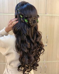 Hair love🥰 SEJAL's Makeup clinic & academy💅💄👑👰 . Formal Hairstyles For Long Hair, Open Hairstyles, Hairstyles For Gowns, Wedding Hairstyles For Long Hair, Indian Hairstyles, Bride Hairstyles, Amazing Hairstyles, Short Hair, Updo Hairstyle