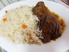carne al jugo con arroz! (Este y muchos platos fondos más puedes comer en nuestro café Triana en Providencia en Santiago de Chile!!)