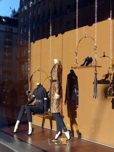 autumn / winter on a swing, pinned by Ton van der Veer Winter Window Display, Window Display Retail, Retail Windows, Store Windows, Antique Mall Booth, Large Christmas Stockings, Showroom Interior Design, Bag Display, Display Ideas